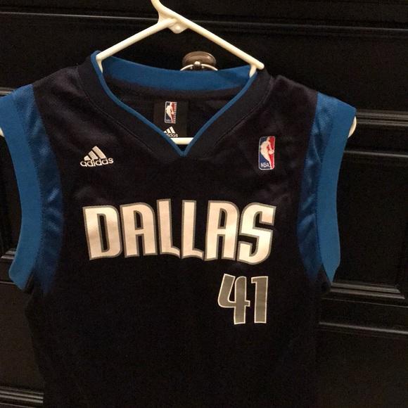 timeless design b52da 2071d Dallas Mavericks Dirk Nowitzki Jersey Size Medium